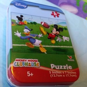 Disney Donald & Mickey 24 Piece Football Puzzle